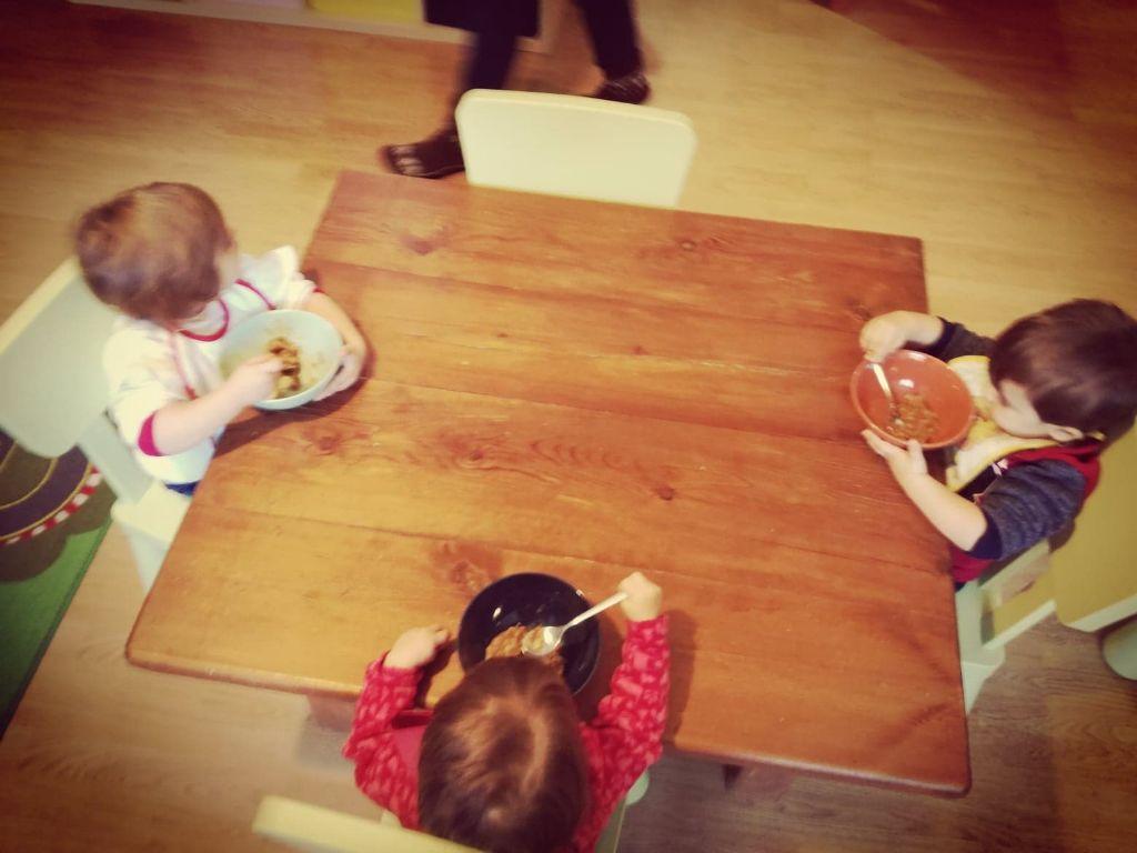 A-tavola-con-l'educazione:-cos'è-l'Educazione-Alimentare?